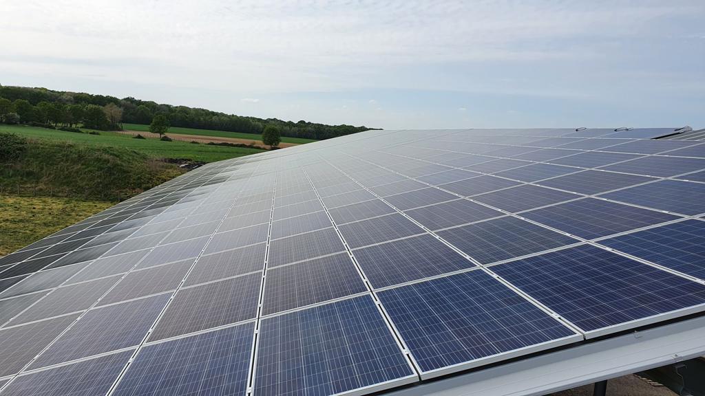 Hangar solaire AZOLIS